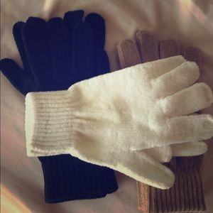 3 pairs of chenille gloves. NWOT